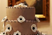 Adorable Cakes =] / by Josie Fleetwood