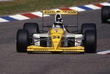 F1 Torro Rosso (Minardi) / ミナルディ(Minardi )は、かつて存在したイタリアのレーシングチームである。本拠地はイタリアのファエンツァ。1985年から2005年までF1に参戦したのち、レッドブルに買収され、2006年よりスクーデリア・トロ・ロッソへ移行した。