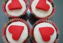 Saint-Valentin / Quoi de mieux qu'un bon repas concocter de vos propres mains pour faire plaisir à l'autre ?  La Saint-Valentin est L'OCCASION par excellence !  Ptitchef vous propose quelques recettes dans ce dossier :-)