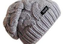 Вязаные Шапки , перчатки, варежки, носки