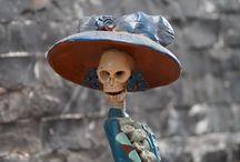 Día de muertos y el Halloween / Imágenes y conceptos que hacen recordar el día de muertos y Halloween