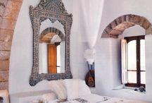 Interiors / by Alicia Aguirre