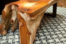 Fa asztalok, és székek futurisztikus stilusban!