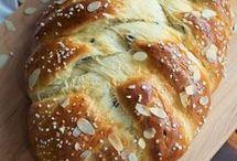 Hefegebäck und Brot