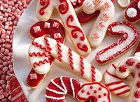 Baking / by Jordana Hood