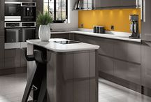 Contemporary Dark Grey Handleless Kitchens / A truly outstanding contemporary style kitchen with a high gloss dark grey finish and no handles.