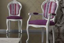 Meble stylowe / Krzesła w stylu klasycznym charakteryzują się ponadczasowym pięknem.
