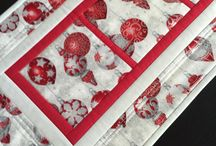 Christmas Decor / Christmas is the time to make the house merry and bright, fun and festive.  Here is a collection of ideas and ready-made items to make your Christmas Very merry.  Christmas Decor Ideas, Christmas Decorations, Christmas Decor Modern, Christmas Wall Art, Christmas Table Decor, Christmas Quilted Wall Hangings, Christmas Decor ideas for the Home