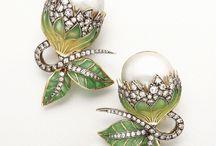 Art Noveau Jewels / Jewelry in Art Deco, Art Noveau style.