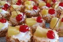 Cupcakes / by Lisa Murdock