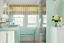 Bathrooms / by Jessica Cundiff