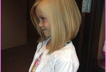 Tytön hiukset