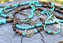 šperky z dřev.korálků