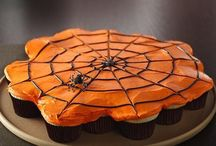 Halloween How-To's / Spooky snacks and delightfully dark desserts!  / by Betty Crocker