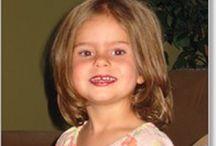 coiffures petites filles / Pour cheveux raides