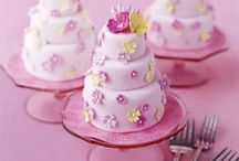 Wedding Cake / Very pretty & yummy wedding cakes! / by Wedding & Style by CliodhnaL