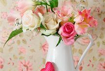 Jarrinhos & Xicaras & Bules / jarrinhos com flores... lindoss xicaras e afins Jogo de Chá e Café com flores...