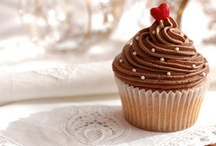 Sweet - cup cakes / by Julia Johnson