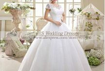 Women Wedding Dresses / Browse for the latest women wedding dresses 2017 only at D for Dress. These dresses are based on the latest designs that are in the market and are made from the finest fabric.