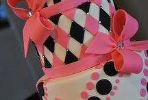 black white and pink fondant cakes