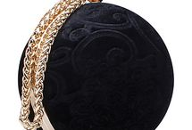 the CIRCLE clutch bags