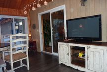Meubles télé - TV Furniture - Wood TV stands / Meubles télé en bois, sur mesure