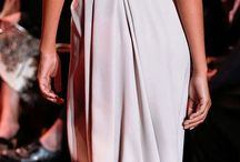 perfektní šaty