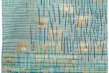 """Exhibition """"ALISON MUIR"""" / A artista australiana Alison Muir busca na natureza e principalmente na água a sua inspiração. O suporte para os trabalhos é o tecido onde cores, colagens e pintura vibram e se fundem (José Roberto Moreira, curador e galerista). Alison Muir vive e trabalha em New South Wales, na Austrália."""