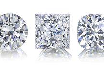 Rings / 1 - 1.5 ct, round diamond shape, thin band, no bezel setting