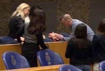 Άνδρας προσπάθησε να κρεμαστεί μέσα στο Ολλανδικό κοινοβούλιο (pics+video)