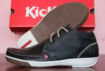 Kickers / Boots, low boots, casual shoes, etc. Material from leather, suede, etc
