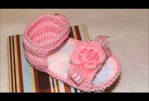 Sandálias de crochê para bebê