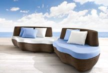 Les Iles / Large, versatile outdoor sofas offering many-sided seating solutions: with or without backrest. No matter if guests will be more than expected.