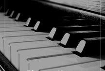 Piyano Kursu İzmir / Piyano çalmak isteyenler, piyano dersi alıp hızlıca piyano çalmayı öğrenmek isteyenler için bulunmaz bir piyano kursu burada:   http://www.erturgutsanatmerkezi.com/izmir-muzik-kursu/piyano-dersi-izmir.html