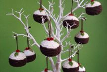 Knitted Xmas puddings