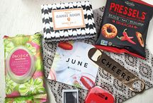 POPSUGAR #MustHaveBox / For those living in the United States this is a good option, that for a much smaller amount of money you will receive each month a surprise box with different accessories. There are many subscription options for you to choose from.