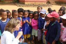 Nos associations coups de coeur ! / La marque NUHANCIAM s'engage dès qu'elle le peut : auprès des femmes, des enfants, pour l'éducation ou encore la santé.  Ici vous trouverez les associations qui lui sont chères.