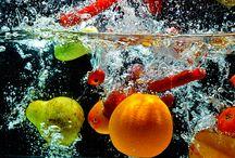 Vitalisierung von Speisen und Getränke durch Tischsets und Untersetzer / Minderwertige Lebensmittel belasten unseren Organismus. Viele Lebensmittel enthalten inzwischen nicht nur rein biologische und lebensstimulierende Vitalstoffe aus der Natur. Minderwertige Lebensmittel sind weitverbreitet und beeinflussen unser Wohlbefinden und unsere Vitalität. Diese beinahe energielosen Nahrungsmittel werden von vielfältigen Stoffen und Energien geprägt. Genmanipulierte Lebensmittel verändern mit künstlich erzeugten Eigenschaften die natürlichen und biologischen Strukturen.
