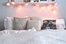 Półka nad łóżkiem