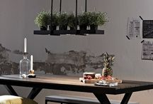 Japandi Lighting / Japandi is a hot new interior design trend that fuses all the elegance and simplicity of Japanese minimalism and with the functionality and practicality of Scandinavian style.