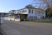 Sans Titre / Mit dem Charme eines Industrielofts präsentiert sich das Kunsthaus sans titre im Französischen Quartier Potsdam. sans titre = ohne Titel, steht für die Freiheit in der Kunst und die Offenheit im flexibel angelegten Konzept des Hauses.