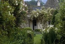 Country cottage gardens