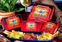 Caviar de Oricios (Huevas) / Caviar  de Oricio; 100 x 100  huevas de erizo de mar, solamente se aprovecha el 5% del peso total del erizo, capturado en las frías aguas del atlántico y conservado en fresco, manteniendo este intenso sabor a mar. Sus huevas o gónadas (CAVIAR DE ORICIOS), son extraídas (en vivo), rápidamente son envasados sus corales en fresco, sin añadir nada más para conservar su exquisito sabor de éste delicioso manjar de mar.