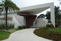 casa com triangulo