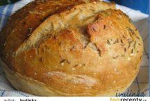 chléb,rohlíky