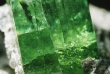 Bright Shiny {Natural} Objects / Crystals, stones and other bits of nature that glitter