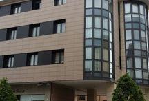 Fachadas ventiladas / Revolucionario sistema de fachada ventilada FRONTEK, con multitud de acabados de máxima calidad.