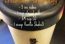 Shakes & Smoothies! / by Danielle Souza