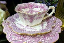 tea pots and tea cups