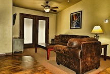 Suites At Cable Mountain Lodge / Cable Mountain Lodge offers primarily Suites to its Guests. These Suites Feature a Full Kitchen with a private Master Bed Room, Living Area and private balcony/patio. Each Suite Measures approximately 750 sq ft with a King bed and Queen Sofa Sleeper.